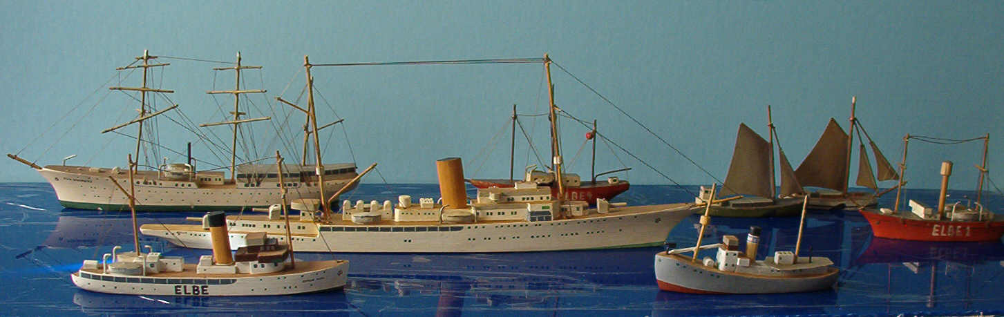 Köster ship models, ocean liners from wood