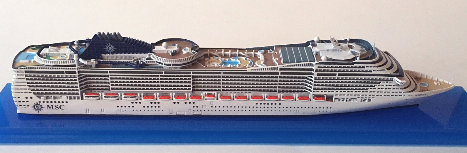 MSC Preziosa cruise ship model 1:1250 scalePicture